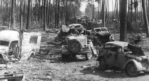 Zerstörte Fahrzeuge im Kessel von Halbe, Quelle: wikipedia